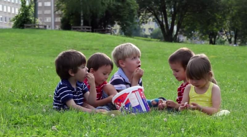 Cum ne protejam copiii de caldura excesiva