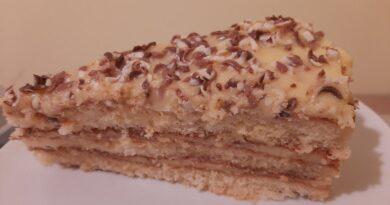 Tort cu crema de vanilie - Reteta simpla